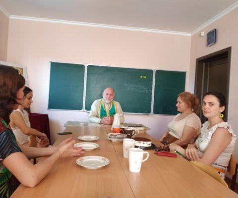 В Свято-Ильинском храме прошла духовная беседа со слушательницами курсов по подготовке к беременности и родам.