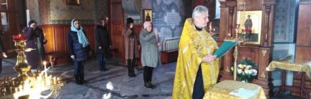 25 ноября в Свято-Ильинском храме прошел очередной молебен перед Иконой Божией Матери «Помощница в родах»